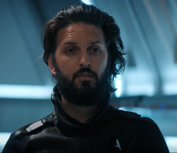 Shazad Latif's Ash Tyler has glorious hair since his time on the Klingon Homeworld